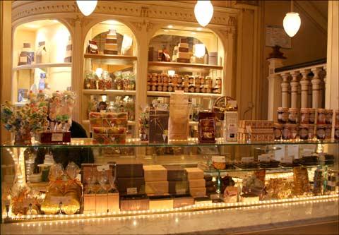 Paris gourmand en route vers de nouvelles aventures - Salon de the angelina paris ...