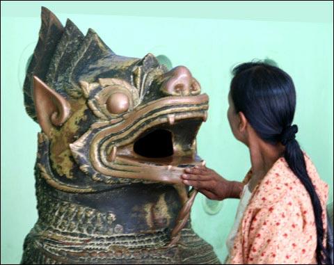 statue khmère